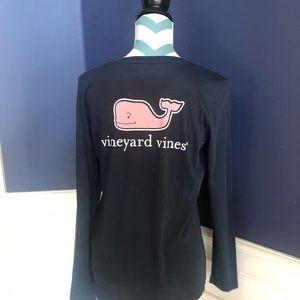 Vineyard Vines Tops - Vineyard Vines Long Sleeved Whale Tee Size M